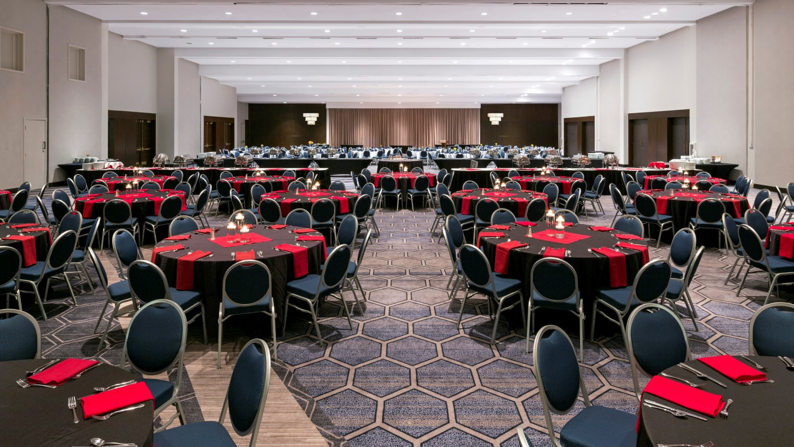 Large meetings in Norfolk - Sheraton Norfolk Waterside Hotel